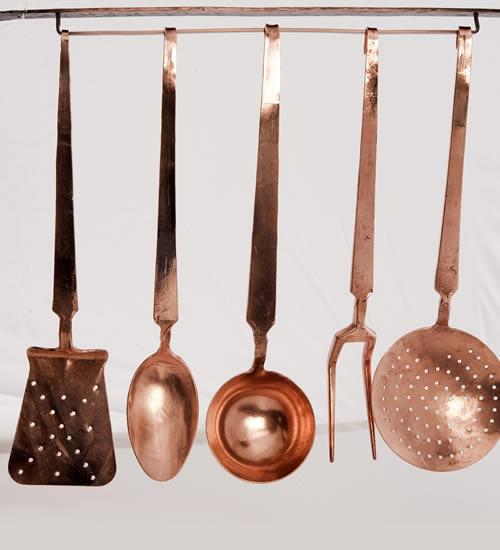 Tanucci antiche officine del rame rame in cucina set for Set mestoli cucina